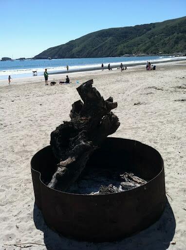 beach2bcampfire1-2WVghW.jpg